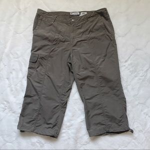 Columbia Brown Capri Hiking/Outdoor Pants 12